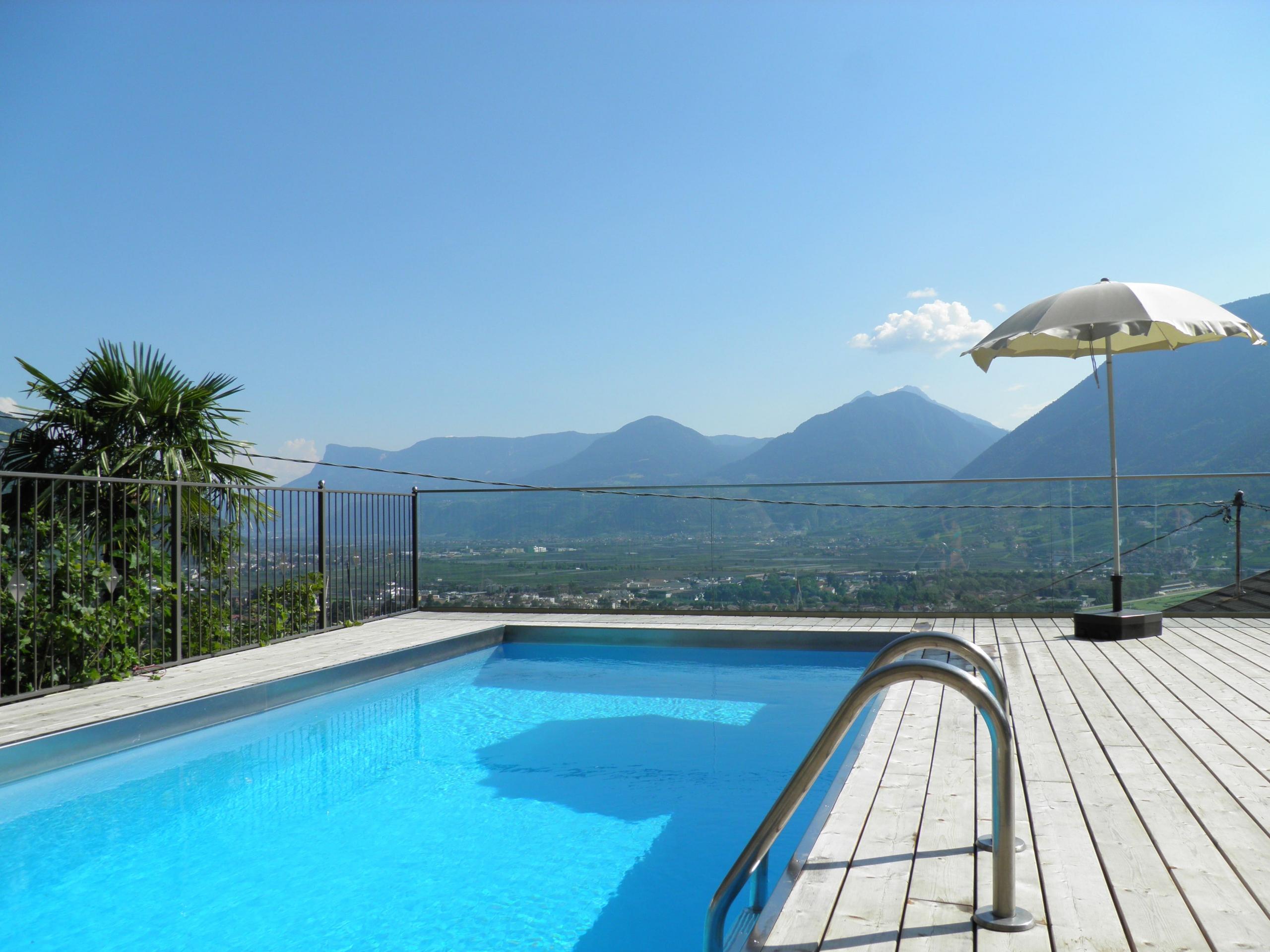 Ferienwohnung mit Schwimmbad Dorf Tirol / Meran - Appartement Linter